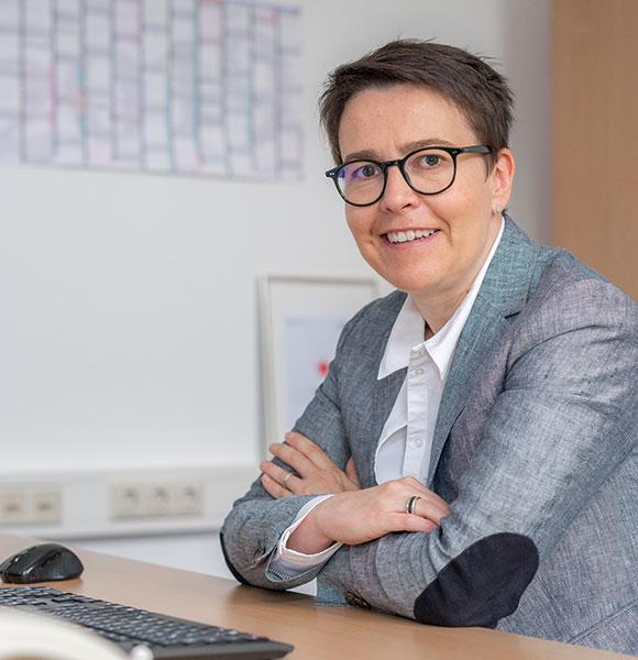 Nadine Paschmann ist unter anderem Leiterin der Bereiche Gesundheitswirtschaft, Fachkräfte sowie Branchen- und Clusterinitiativen